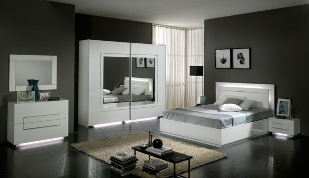 Commode 2 Tiroirs City Laque Blanc Chambre A Coucher Deco Chambre Blanche Deco Chambre Chic Deco Chambre