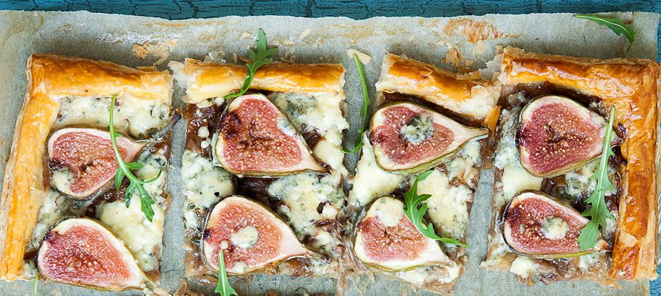 Caramelised red onion, fig and blue cheese tart
