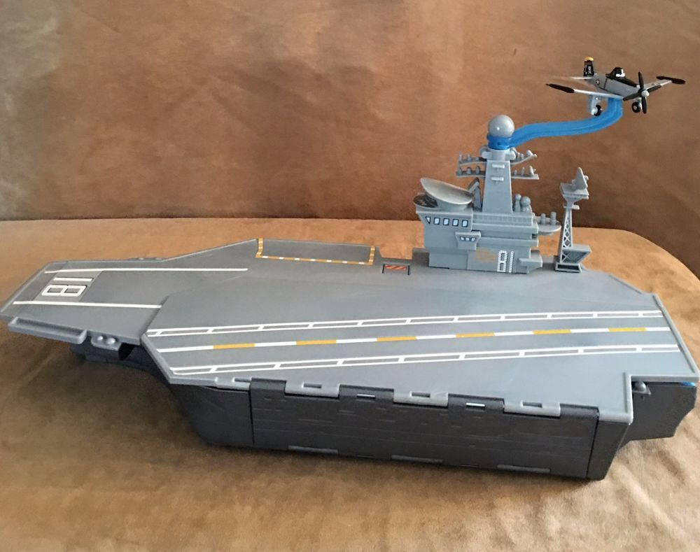 Disney Planes Matchbox Aircraft Carrier 18 5 Inch Ship Playset Large Lot