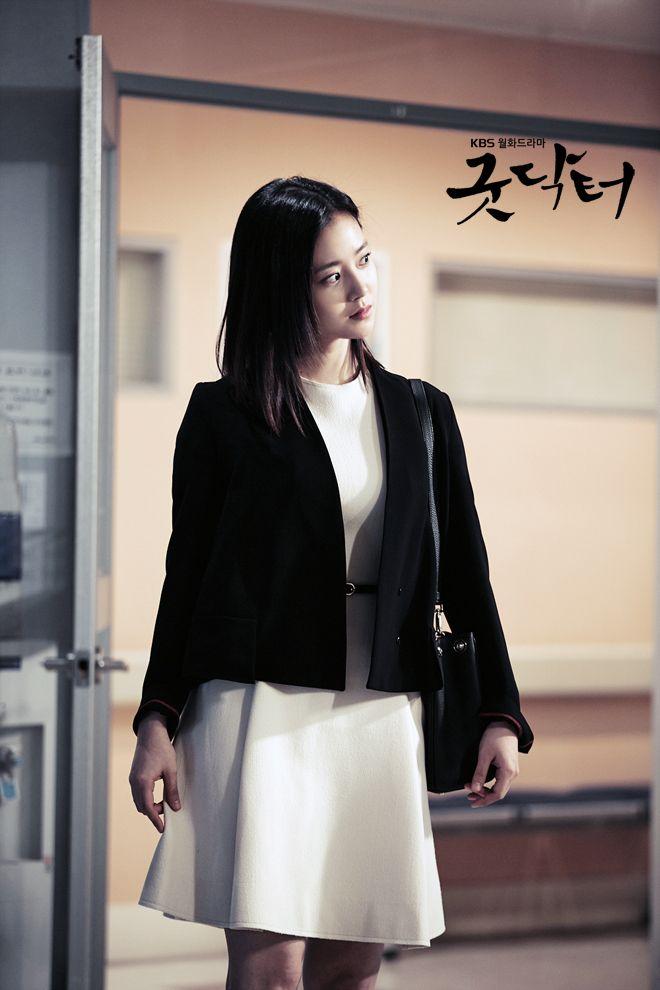 예쁨 주의 - 문채원 갤러리