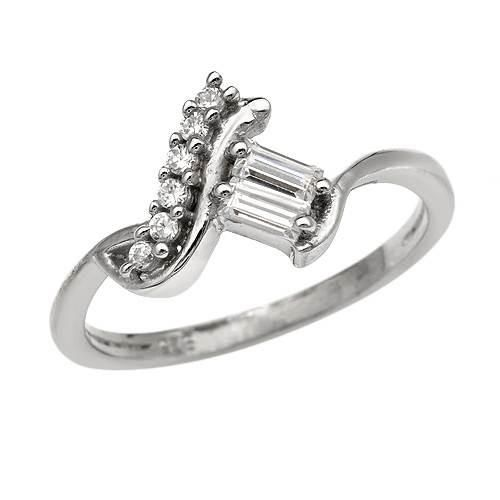 Ring With Cubic Zirconia Size 6