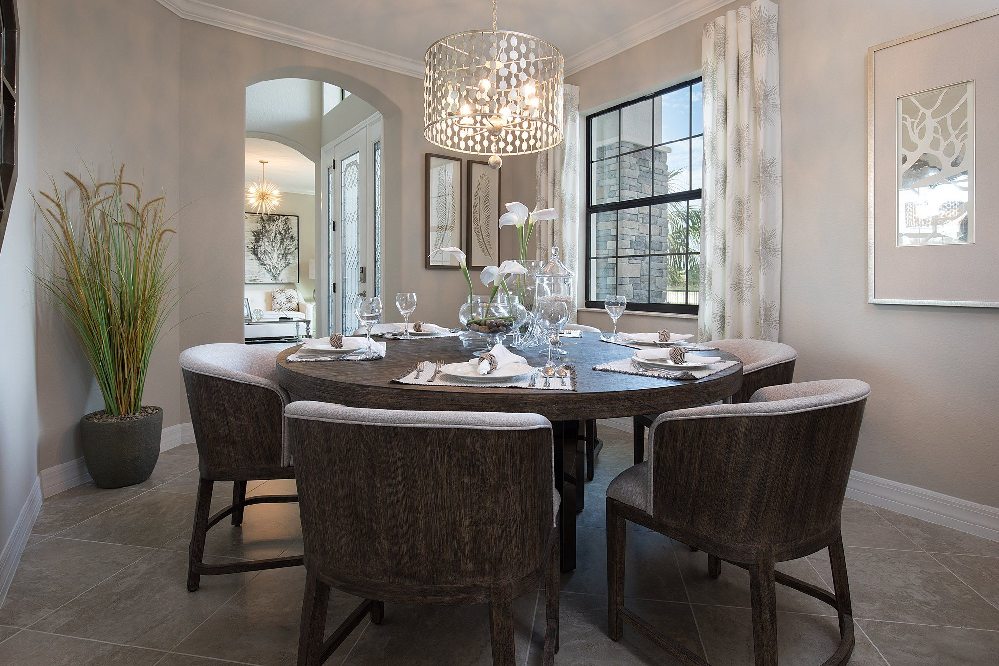 Awesome Dining Rooms From Hulsta: I'm Crazy About Round Dining Tables ~ Awesome!!!