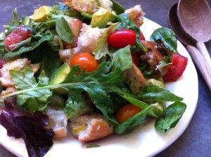 Easy Weeknight Greens: Summer Panzanella Salad / MOMS KITCHEN HANDBOOK