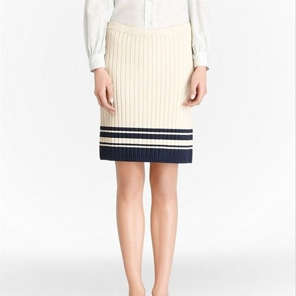 b57ce5c360302 Tory Burch beige knitted skirt- Size 6 The easy silhouette and maritime  stripes of the
