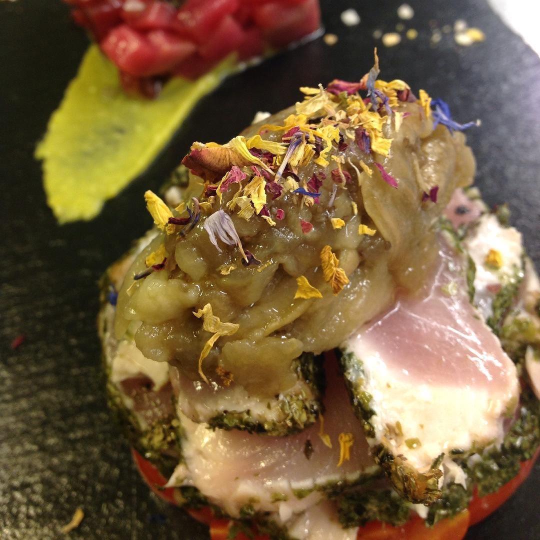 TATAKI di RICCIOLA #photo #pisogne #restaurant #yume #relax #buonpranzo #gnam #fusion #japan #tataki #vallecamonica #visitlakeiseo #sarnico #iseo #boario by yume.sushifusion