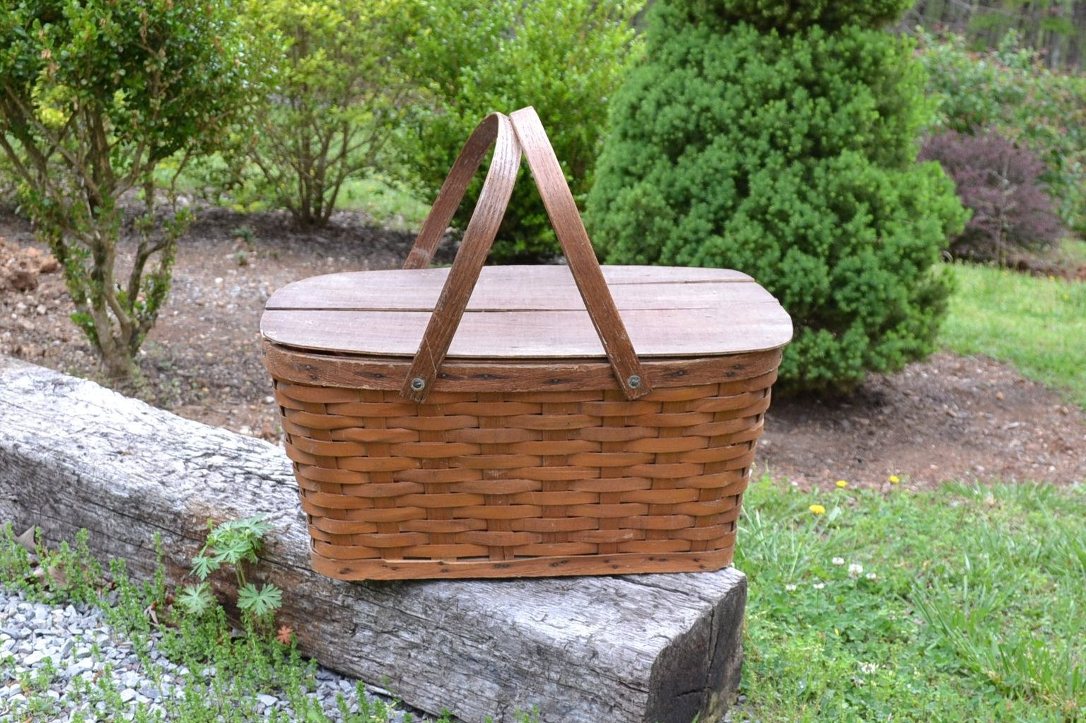 Vintage Wicker Picnic Basket Red Calico Fabric Lined Rustic Cottage Decor PanchosPorch