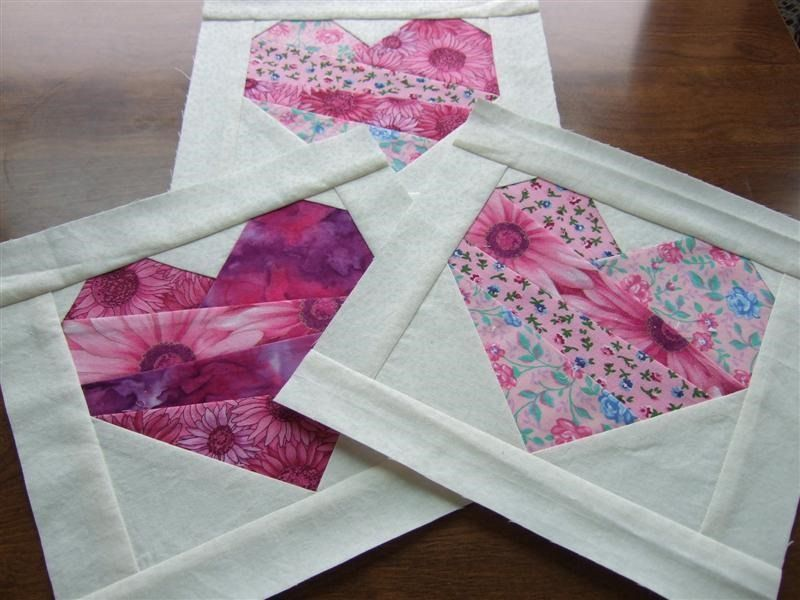 Free Quilt Block Patterns for Valentines Day (hearts) | Free quilt ... : heart quilt block patterns - Adamdwight.com