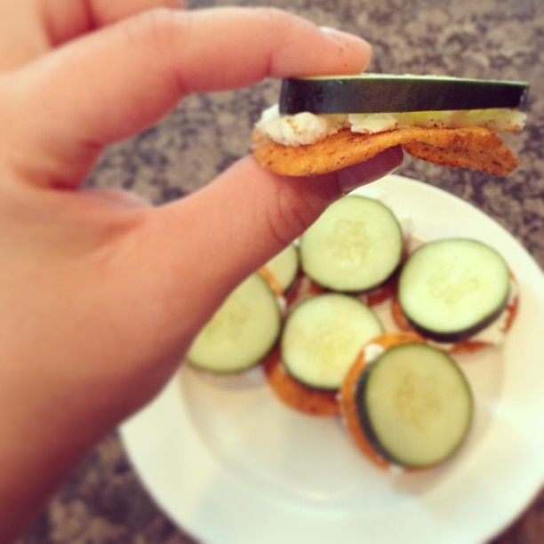 Yummmayyy!!! #cucumber #goatcheese and #thebetterchip #omnomnoms