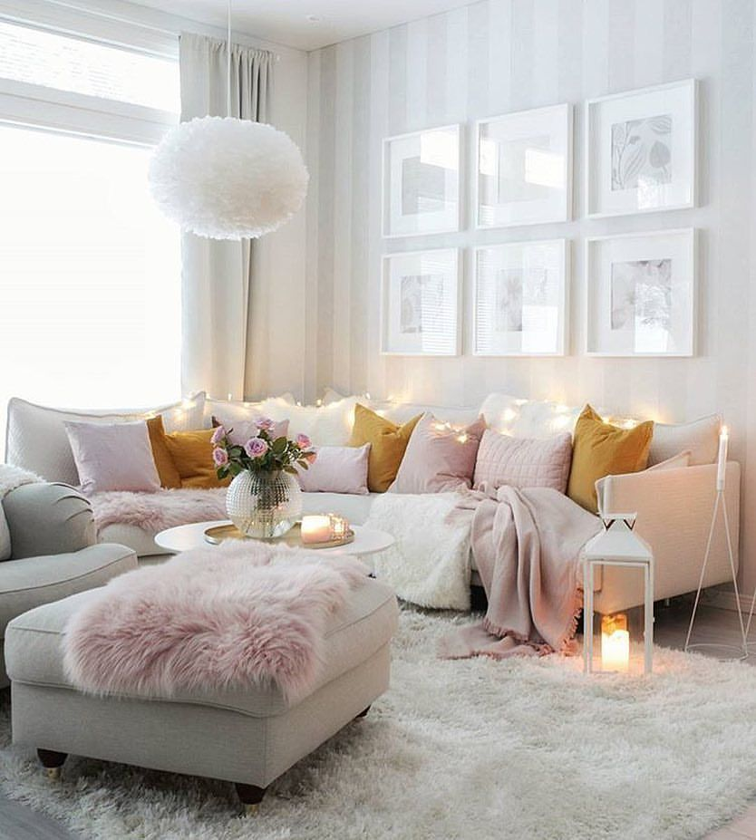 Warm Up A Cold Room By Decorating With Cozy Colors Like This Who Else Wanna Sit Here With A Cup Of Ho Cosy Living Room Glam Living Room Shabby Chic Bedrooms