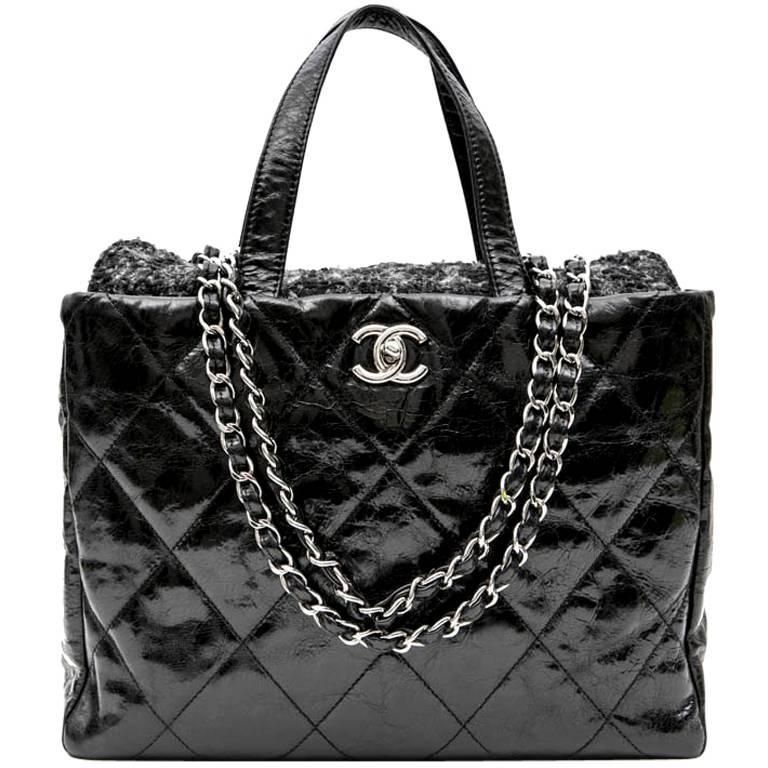 a47892b92255 CHANEL Flap Bag in Black Patent Leather and Gray Tweed