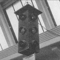 Accadde Oggi 1 aprile 1925 - In funzione a Milano il primo semaforo italiano (90 anni fa): Undici anni dopo il primo semaforo elettrico della storia, comparve a Milano