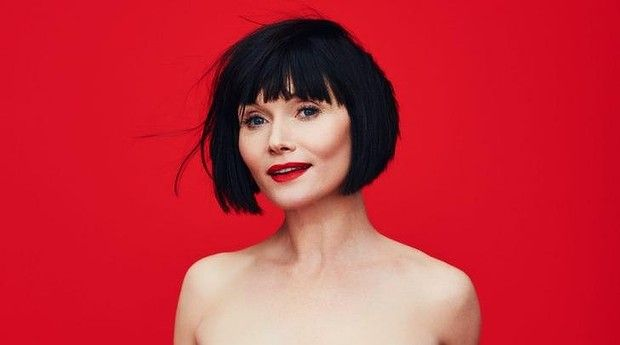 miss fisher haircut essie davis article lead