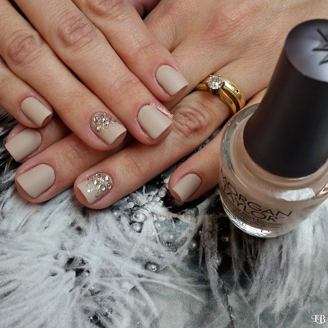 """Bom dia! #inlove #instanails #lucinhabarteli #manicure #supervaidosa#morgantaylor #vegas_nay#filhaunica#matte"" Photo taken by @lucinhabarteli on Instagram, pinned via the InstaPin iOS App! http://www.instapinapp.com (02/16/2015)"