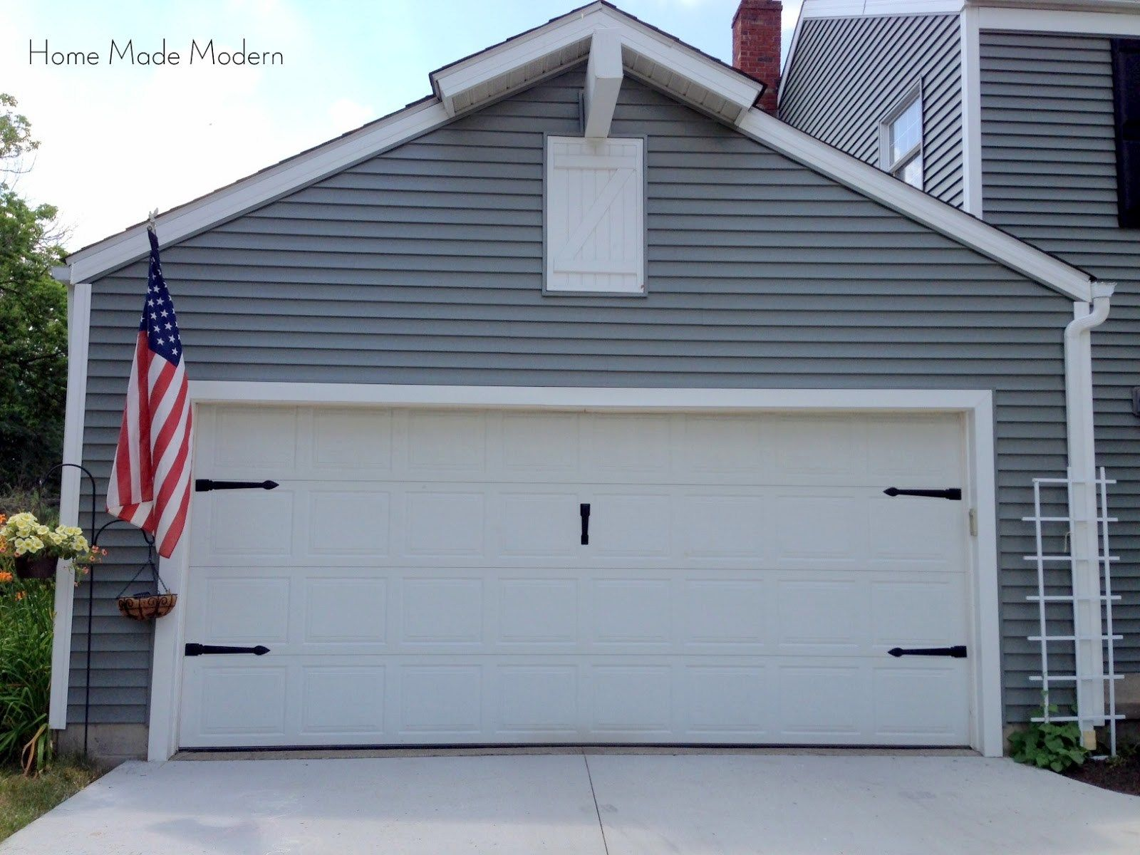 10 Cheap Ways To Boost A Builder Grade S Curb Appeal Garage Door