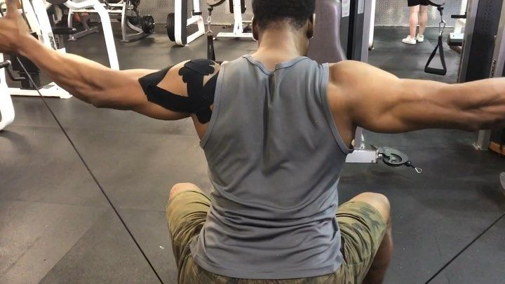 Mixup your   #workout   💪 Use more cables in your training routine.    #shoulders     #training     ...