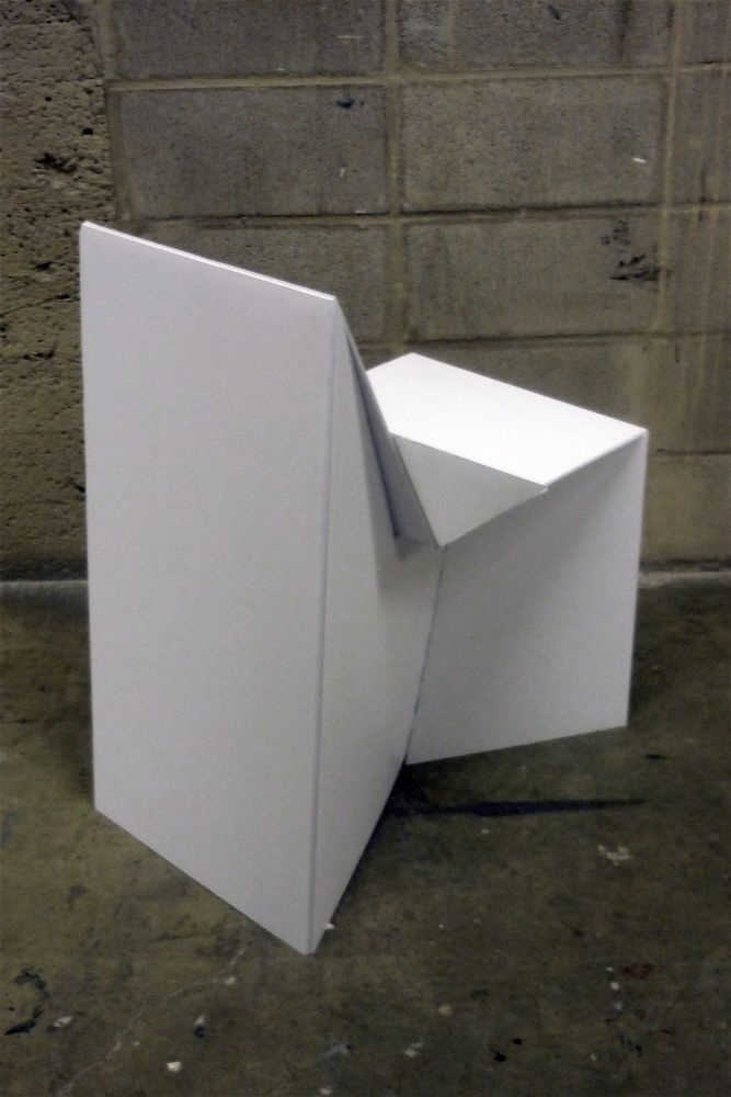 Coroplast chair by rebecca cey at cardboard for Stehpult pappe