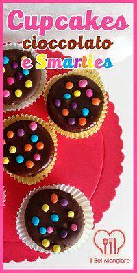 Cupcakes al cioccolato con coloratissimi smarties