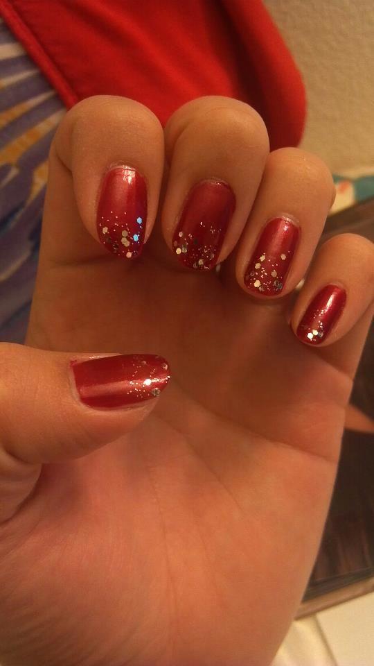 holiday nails paint