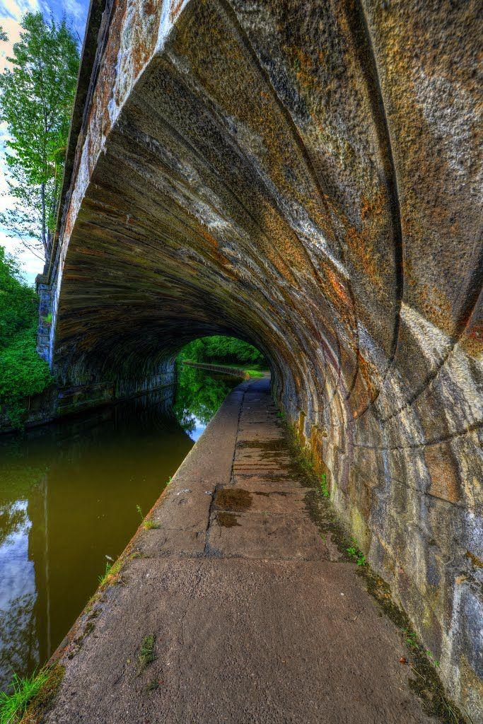 Photo Of Periwinkle Bridge 74a Leeds And Liverpool Canal Chorley Lancashire England English Architecture Liverpool Lancashire