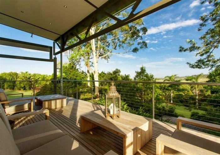 The Glasshouse is a stunning #holidayhome in Byron Bay, NSW #australia. The ideal place to relax and unwind. www.viewretreats.com