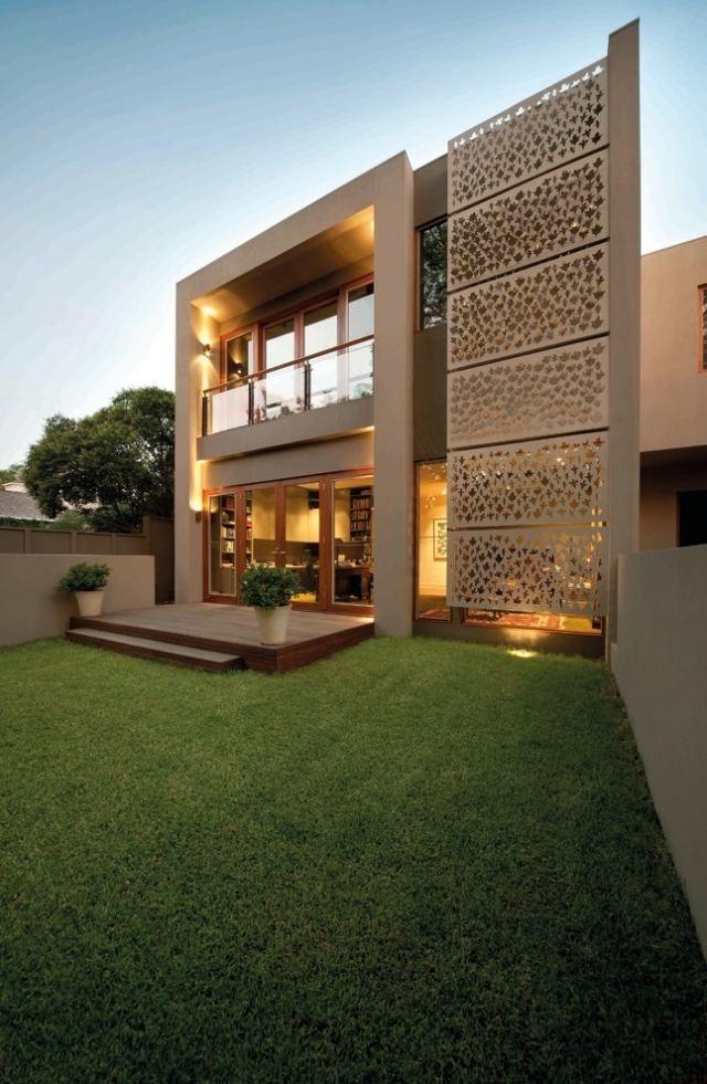 Fassadengestaltung einfamilienhaus modern holz Metall-Hausfassade mit dekorativen verzierungen-außenverkleidung ...