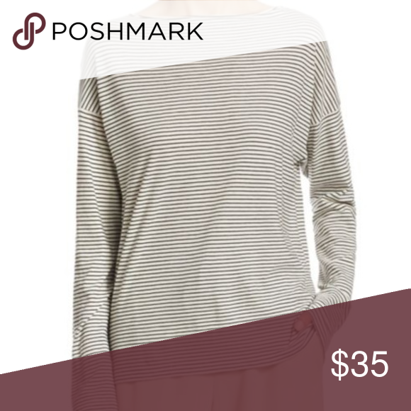 47a93341cd6 Vince long sleeve striped linen tee Vince long-sleeved tee. White and black  stripes. Drop shoulders