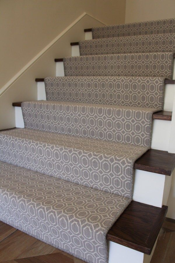 Stair Runner Waterfall Bottom Tread