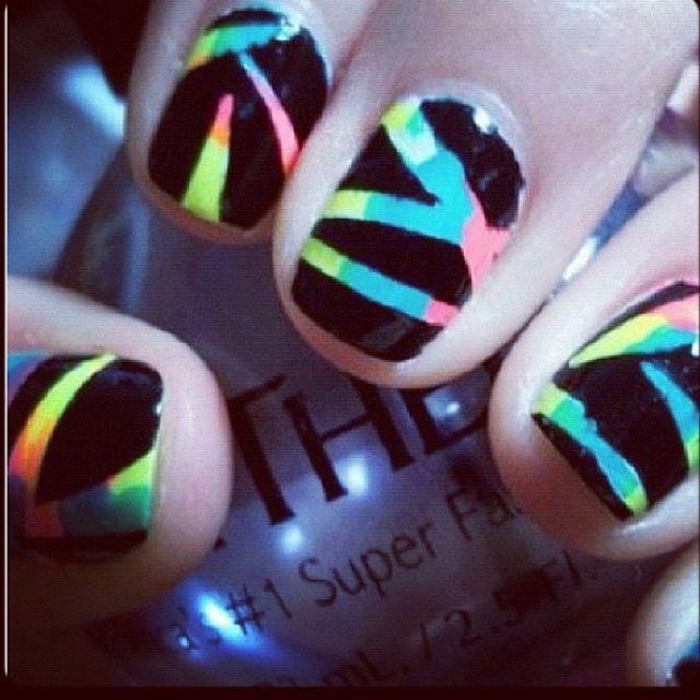 Neon nails. Summer, beachy, 80's-90's