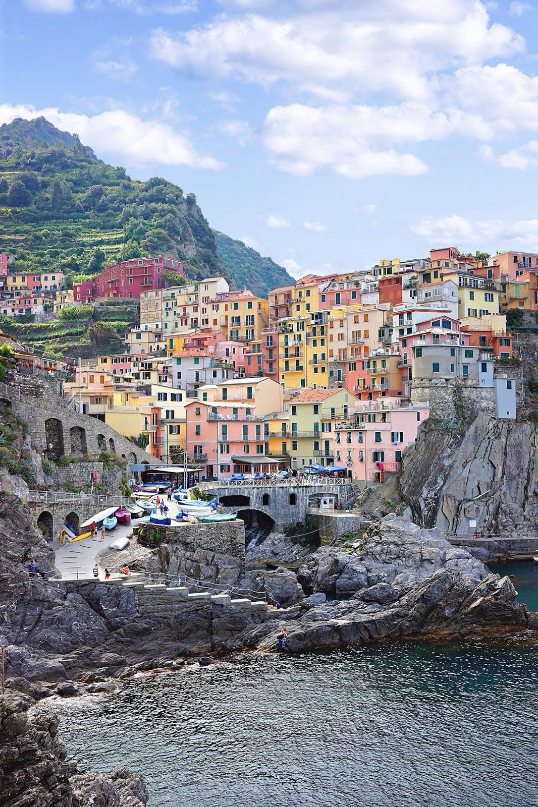 The perfect 12-day itinerary for first time travelers to Italy. Plus lots of tips and tricks for planning and visiting!