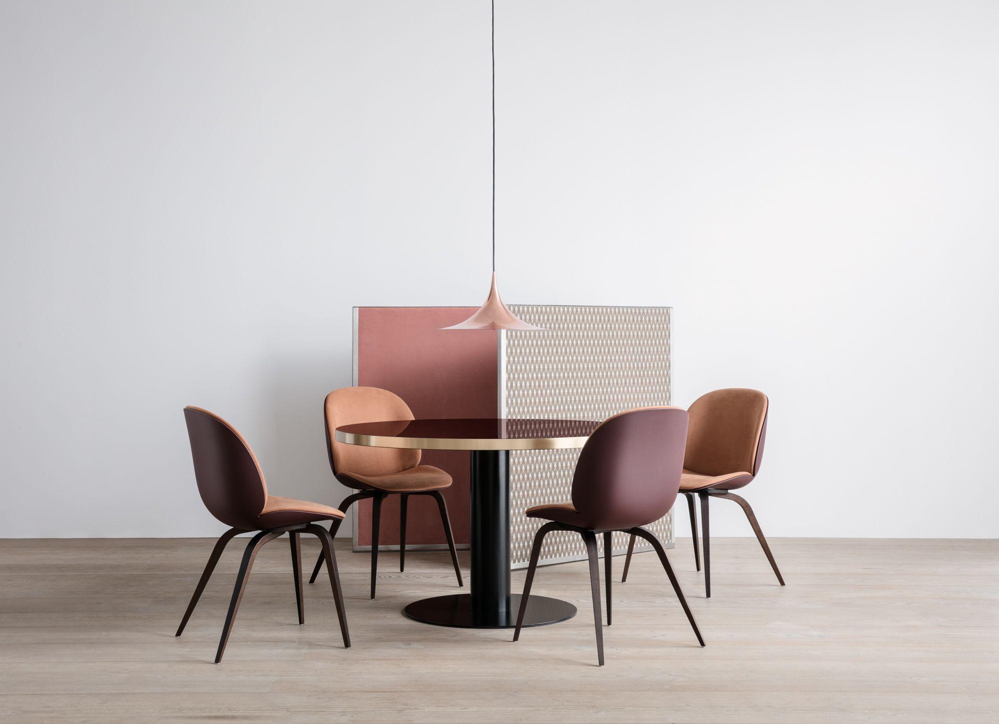 Gubi Beetle Chair Gubi 2 0 Dining Table Semi Pendant Round Table And Chairs Beetle Chair Chair