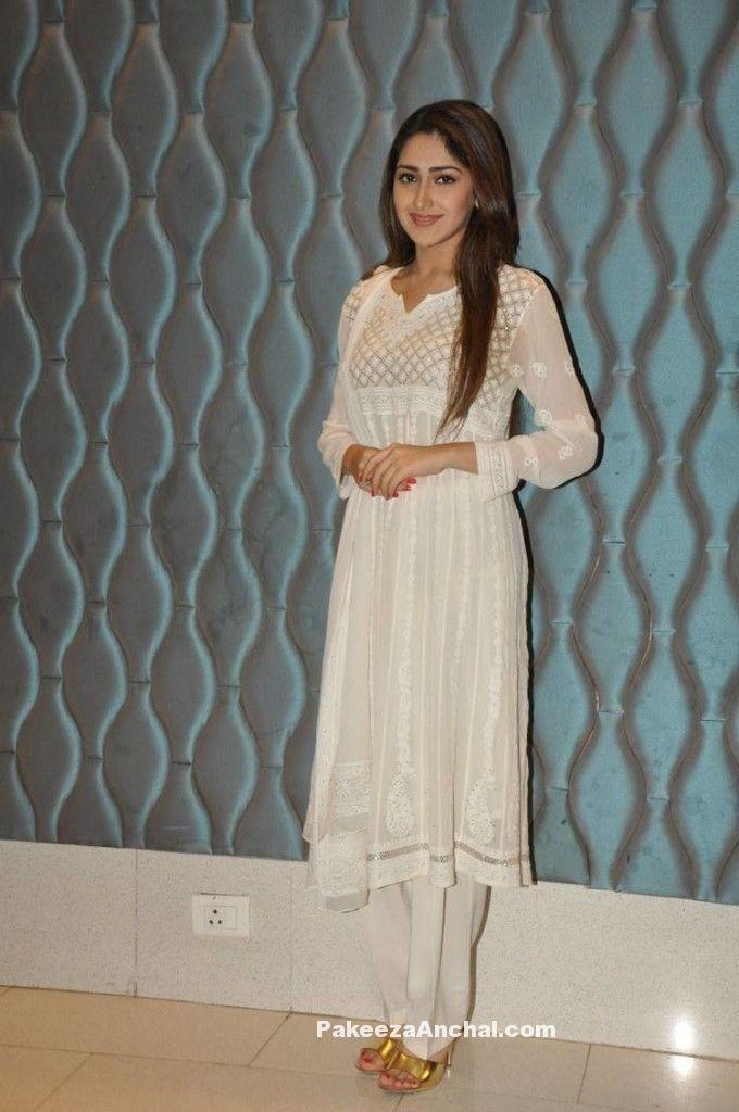 Sayesha Saigal in Lucknow ChikanKari Embroidery Salwar ...