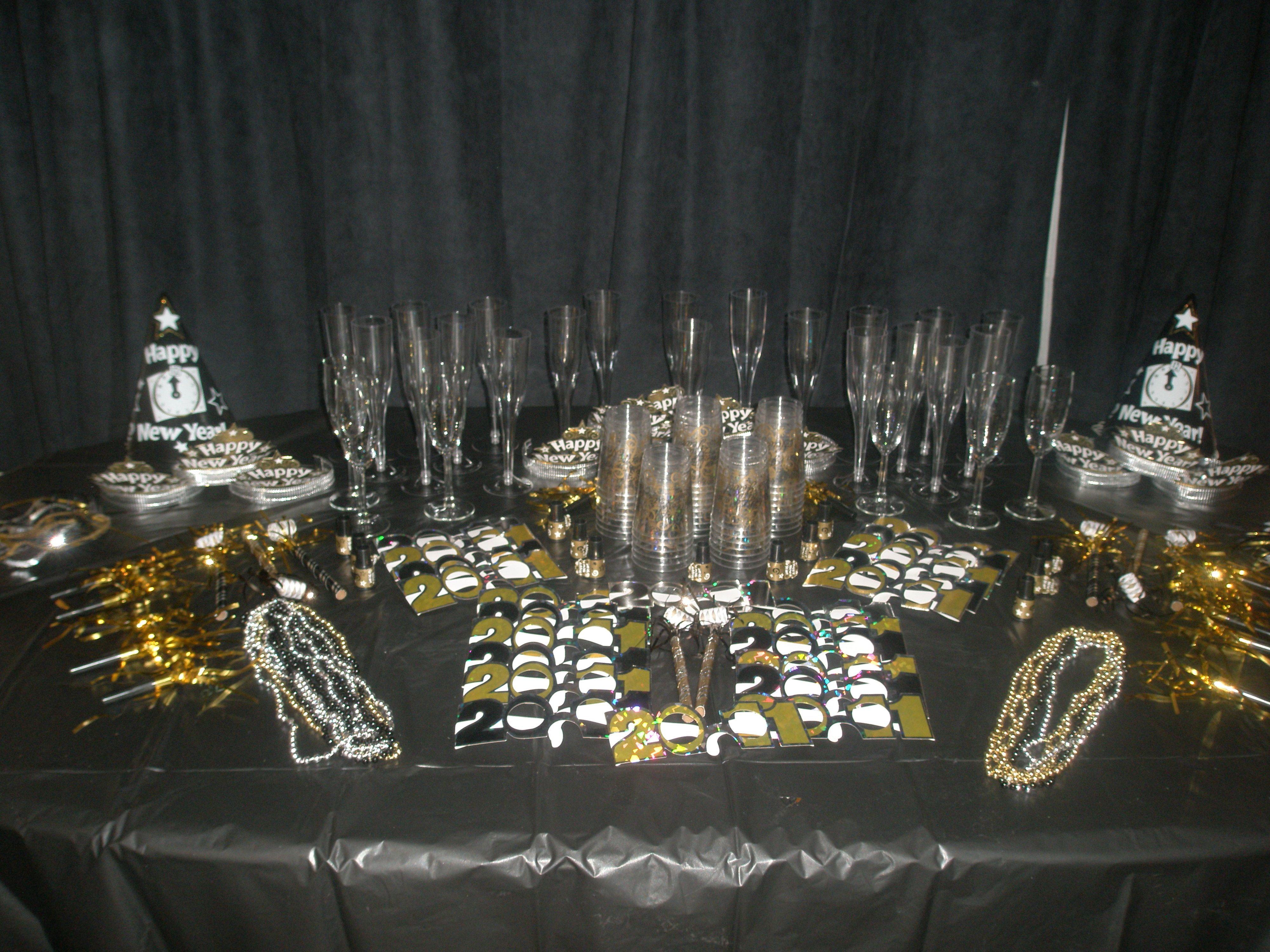 New Years Eve House Party Classic Silver And Gold Theme Party Table Company Christmas Party Nye Party Event Planning