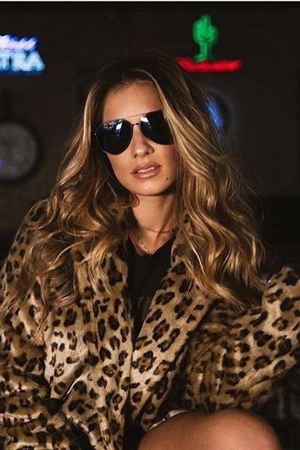 e63ccd50602e9 Jessie James Decker wearing Theory Clairene Faux Fur Coat and Diff Eyewear  Dash Sunglasses
