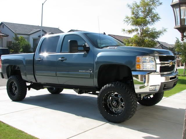 Pics Of A Blue Granite Metallic Truck With Black Rims Sel Place Chevrolet And Gmc Forums