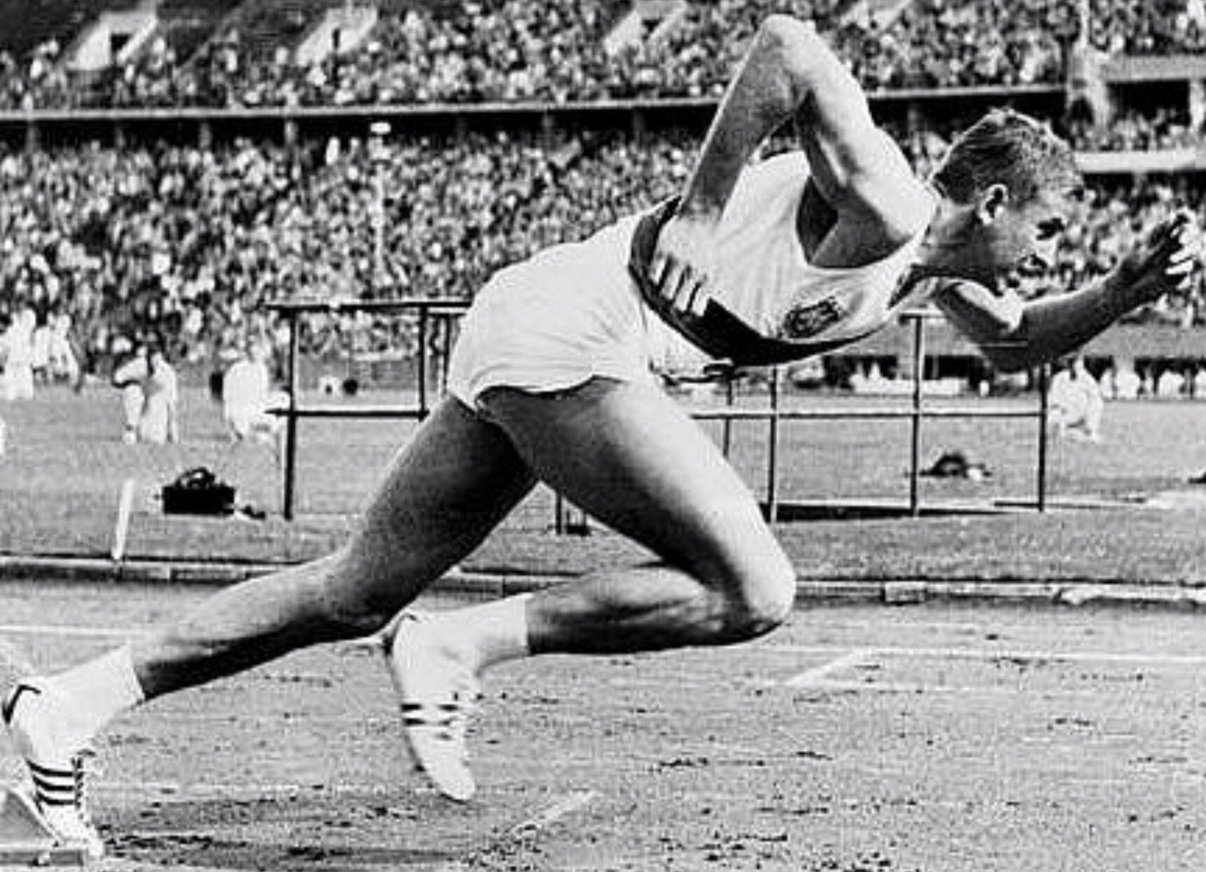 Armin Hary. (GER). El primer hombre en conseguir la marca de 10,0s. (21 junio 1960). Campeón olímpico en Roma '60 con 10,2s R.O. por delante de David Sime (USA).