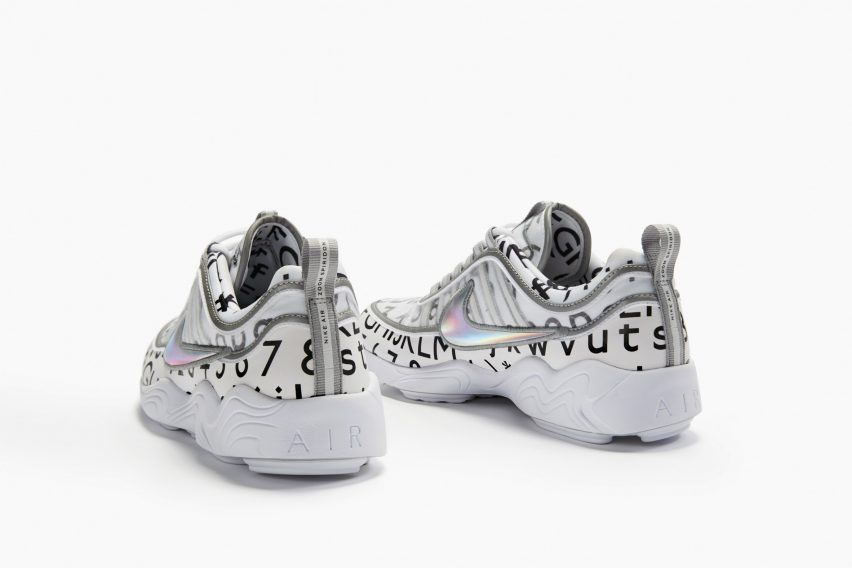 Cornualles sentido común Con qué frecuencia  The Swoosh is applied in silver, while the iconic Transport for London (TfL)  roundel is embroidered on the tongue of each pair.   Sneakers, Nike,  Sneaker head