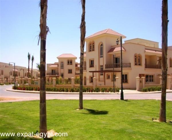 Villa for Sale in Greens Compound Sheikh Zayed