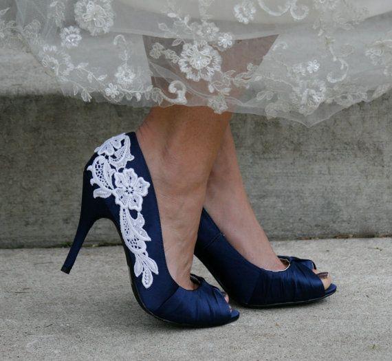 Navy Blue Heel With Venise Lace Applique Size 6 Wedding ShoesBlue