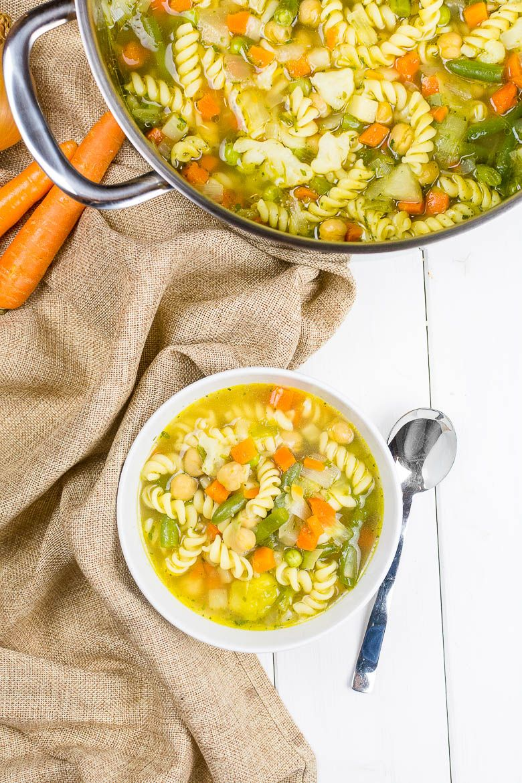 Wärmende Kichererbsen-Nudelsuppe #healthycrockpotchickenrecipes