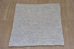 Super simple baby blanket....anyone with a hook & yarn and basic crochet skills can make this!