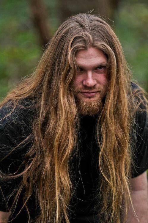 Lidé s dlouhými vlasy