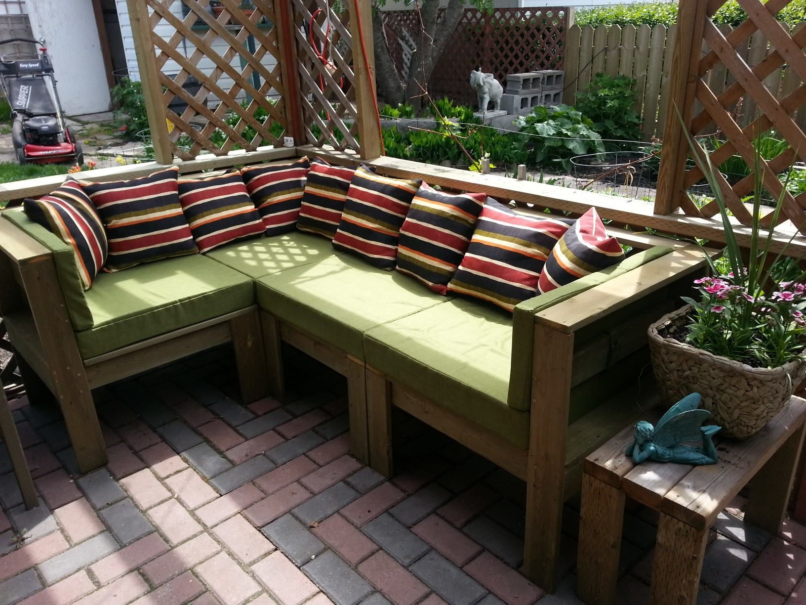 Outdoor sectional do it yourself home projects from ana white outdoor sectional diy projects solutioingenieria Image collections