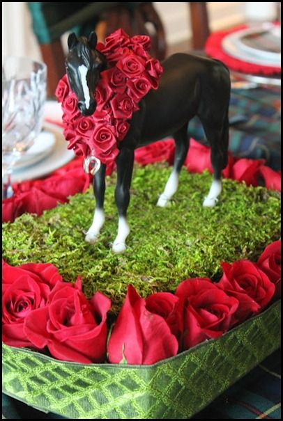 Derby Cake with model horse | Kentucky derby party ...