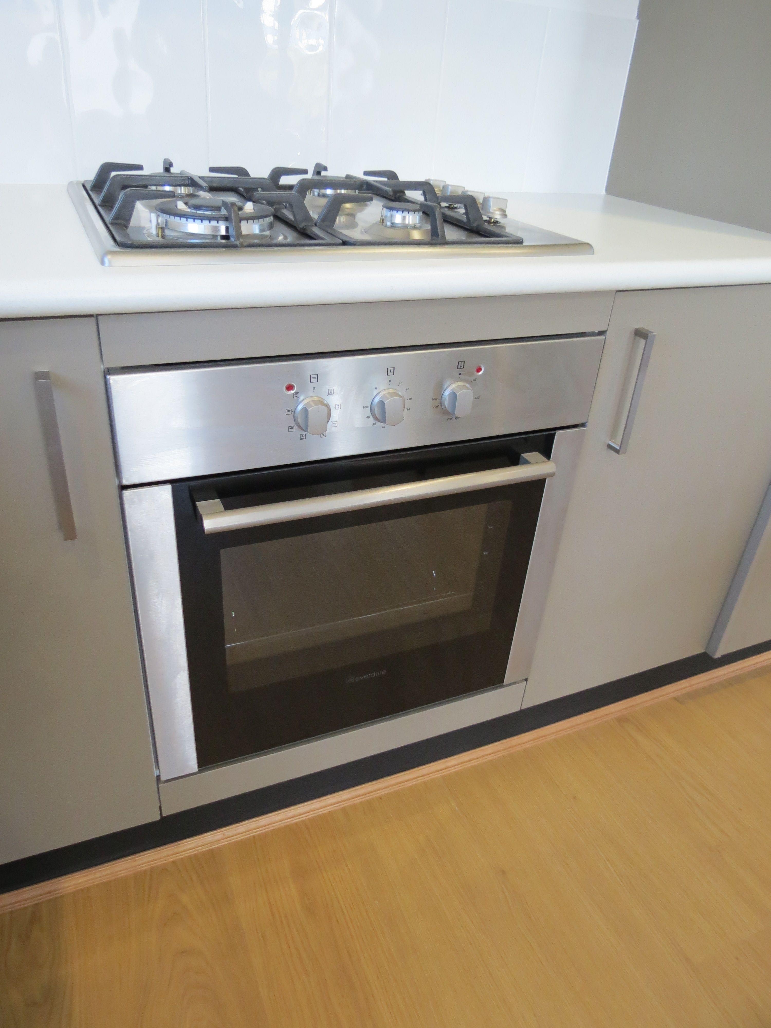 Pin de equipamiento hogar en cocina cocinas horno for Hornos de cocina electricos