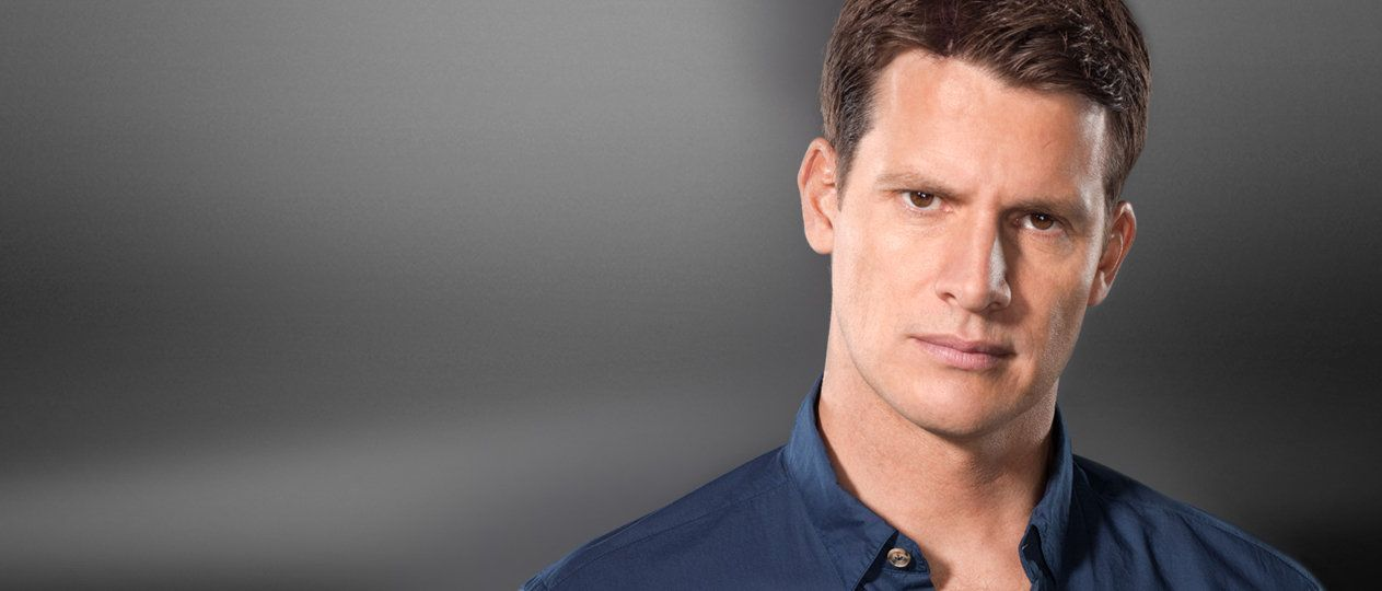 Daniel Tosh Hosts Tosh0s Funny Videos Tosh0 Comedy Central