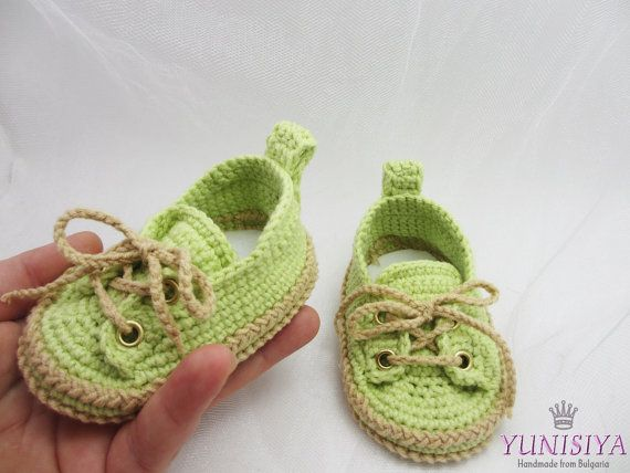 Green Baby Sneakers, Crochet baby sneakers, Crochet baby booties ...