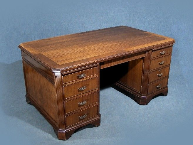 This Is A Superb Large Vintage Desk Made By Drexel Heritage