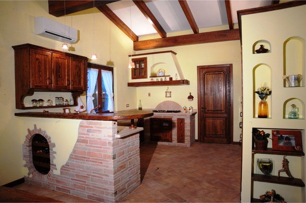 Murature in mattoni antichi recuperati   Cucine artigianali in ...