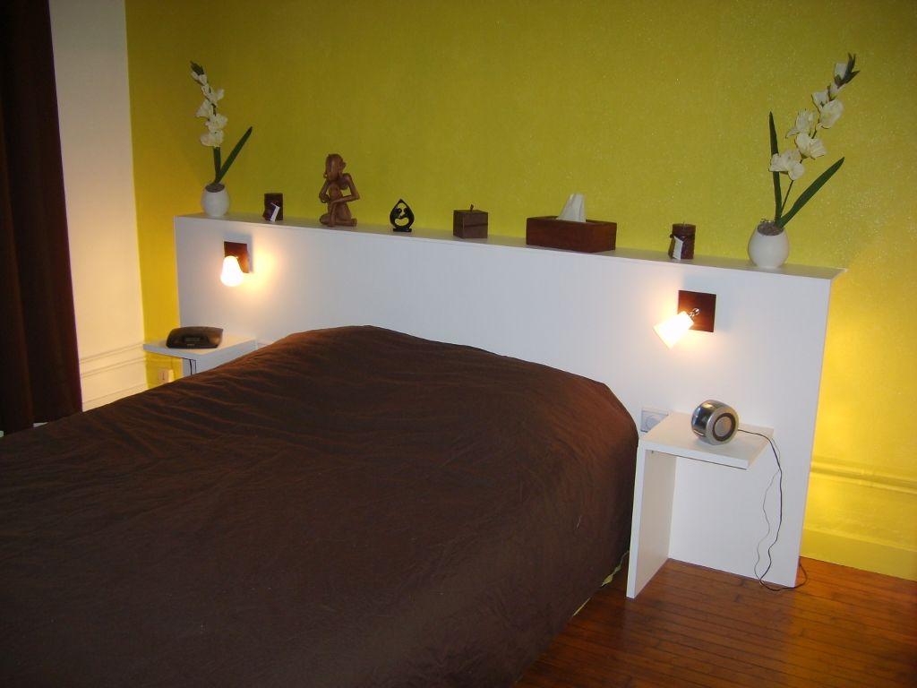 Idee Deco tete de lit a faire soi meme : http://ateliers-recreatifs.fr/public/meubles/tete_de_lit.JPG ...