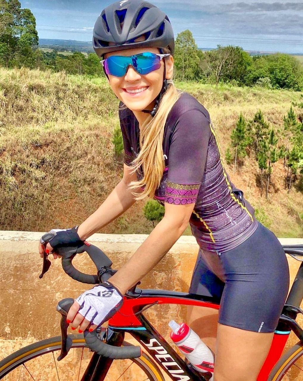 Najlepsze obrazy na tablicy Kobiety na rowerach (114